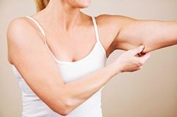 Get toned arms with this at-home excercise.